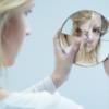 O que é dismorfia corporal, quais os sintomas e qual o tratamento correto