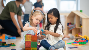 O que é o método Montessori e como funciona sua pedagogia libertadora