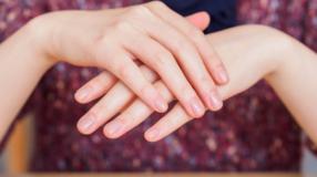 7 cuidados básicos para evitar unhas onduladas