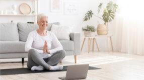 7 canais de yoga online para você praticar onde estiver