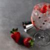 10 receitas de gin com morango para o drink perfeito