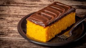 10 receitas de bolo de cenoura com aveia para unir sabor e nutrição