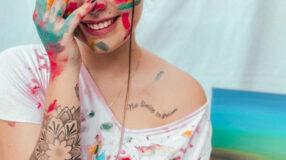 50 ideias de tatuagem de frases no ombro para eternizar sua essência