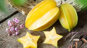 7 benefícios da carambola para incluir a fruta na sua alimentação