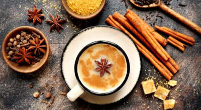 5 benefícios do chai latte e receitas saborosas para experimentar em casa