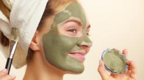 5 benefícios da máscara de argila verde para incluir em seu skincare